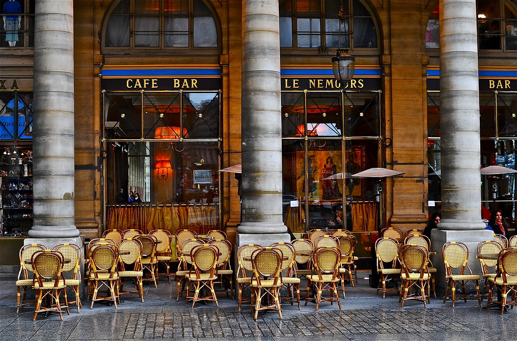 Café Le Nemours Place Colette à Paris | A voir en grand de p