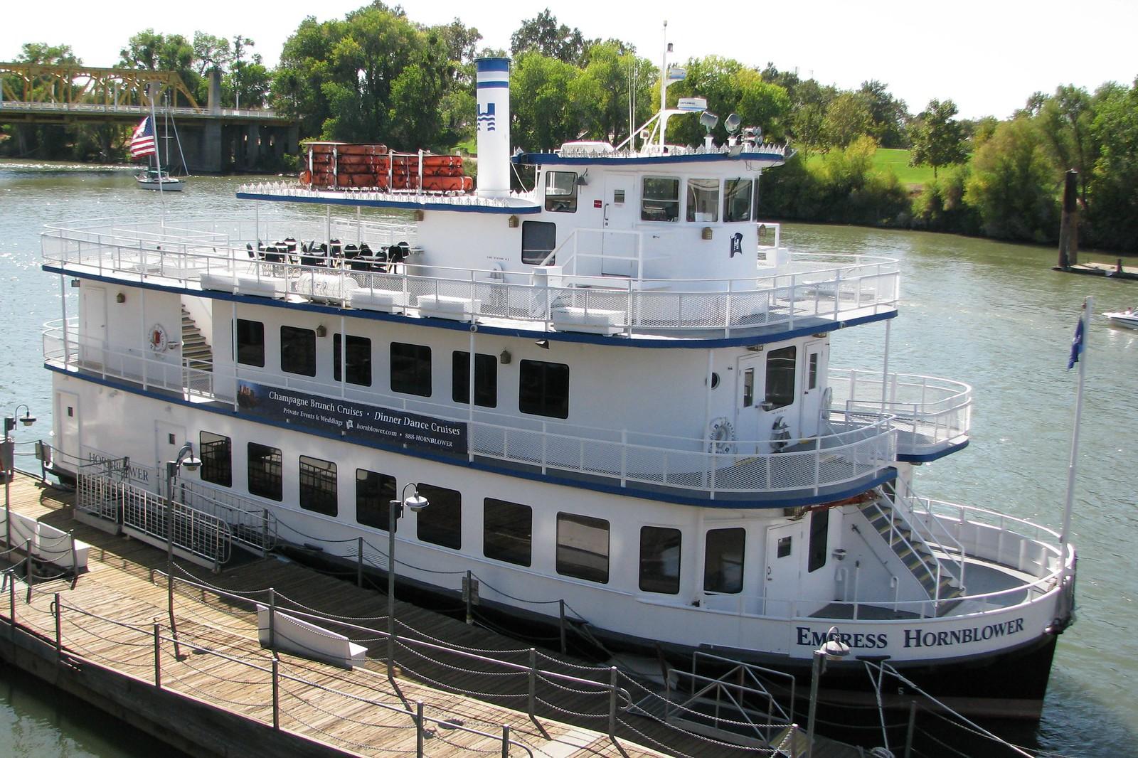 Empress Hornblower 83.8 ft Riverboat (1988) 1