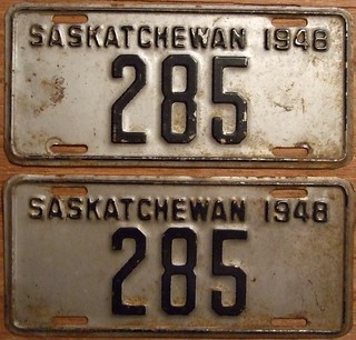 SASKATCHEWAN 1948 LICENSE PLATE PAIR ---#285