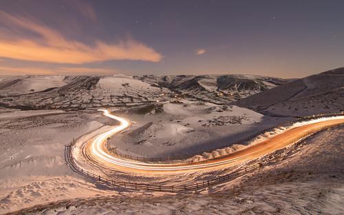 nightphotography nocturnal edale peakdistrict lighttrails stars winter snow cold warm tones