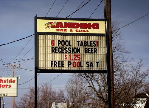 beer pool bar fun jerry picasa lifeisgreat tableforone recessionbeer jerphotography afreeeditingprogram googleitandtryit complimentsofslimeface