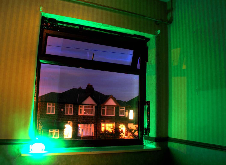 room,dusk,start,it,all,blue,green,365days,urban,suburban,town,village,england,dawn,tripod,semi,detached,houses,house,street,grappenhall,warrington,cheshire,UK,GB,tonysmith,tony,smith,Hotpicks,hotpics,hot,pics,pix,picks,hotpix.freeserve.co.uk,noche,nuit,hotpix!,@hotpixuk