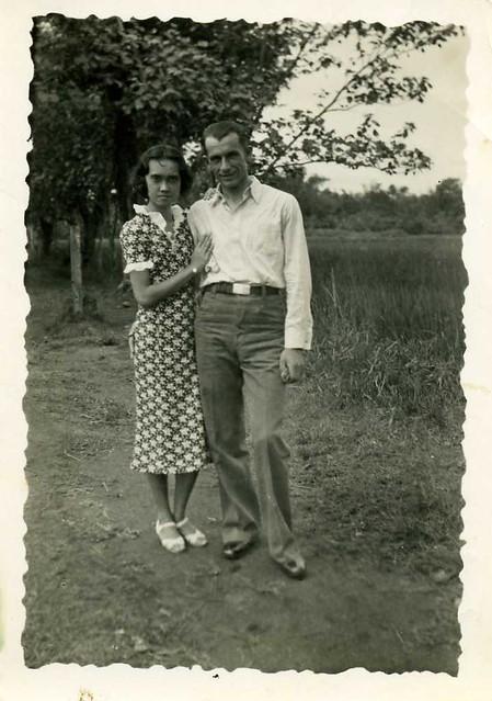 My late uncle Leendert (Leen) van der Groef (1916 - 1943) together with his young wife/fiancée Theodora (Dora) van den Worm (born 29 March 1917 , Ngandjoek , Dutch Indies) , appr. 1939 , in or near Soerabaja , former Dutch Indies