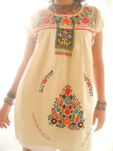 Vestido Mexicano De Manta Con Florecitas Bordadas Hola Es