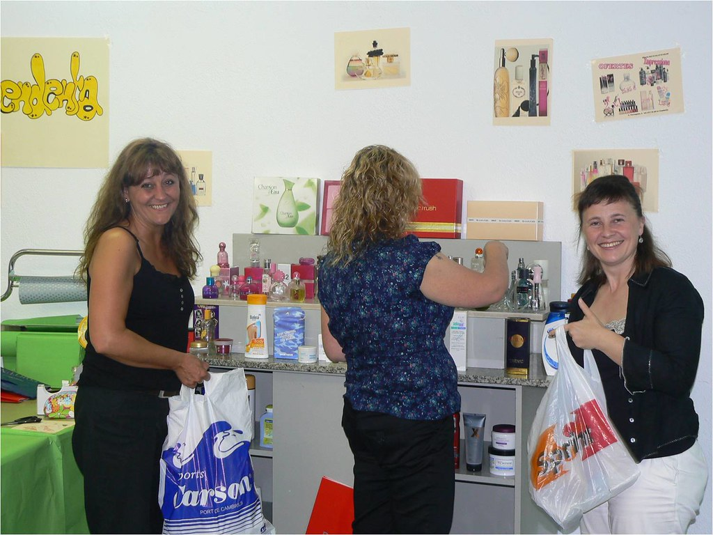PTT Cambrils - Projecte Integrat 2009 - Perfumeria Impressiona: L'assaig final - 8