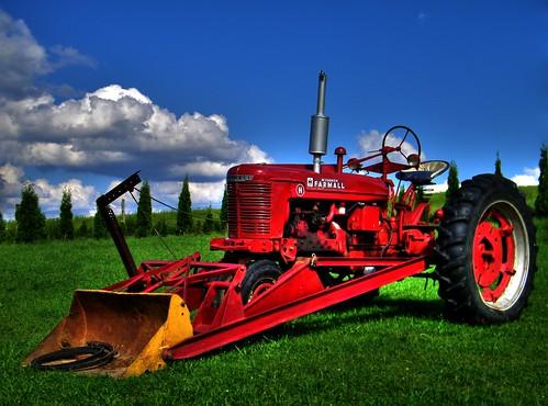 tractor farm freehand hdr farmall farmequipment photomatix farmallh ruralohio ohiovalley