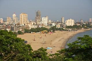 Chowpatty beach view from Kamala Nehru park | by jhecking