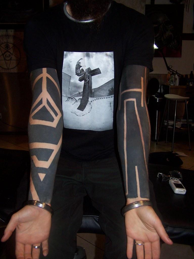 minimal blackwork tattoo