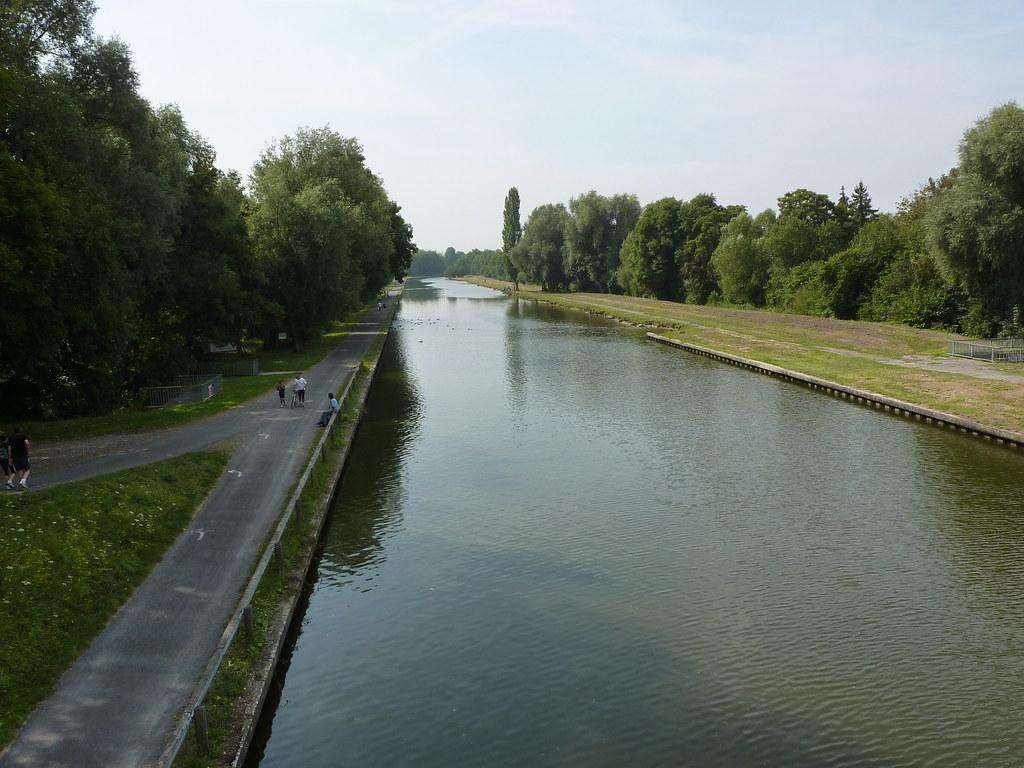 Saint-Quentin - Canal depuis le pont de Rouvroy