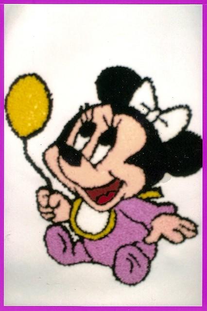 Minnie Baby Em Ponto Russo Bordado Em Um Xale De Brim Bran Flickr
