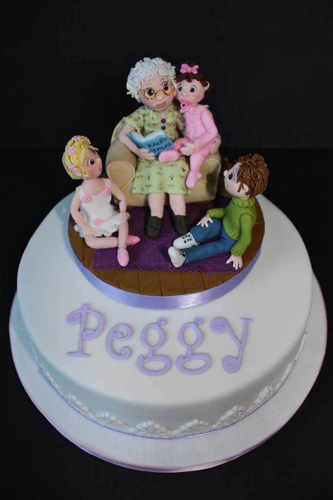 Magnificent Peggys 90Th Birthday Cake Top Tier Iced In Fondant Flickr Funny Birthday Cards Online Inifofree Goldxyz