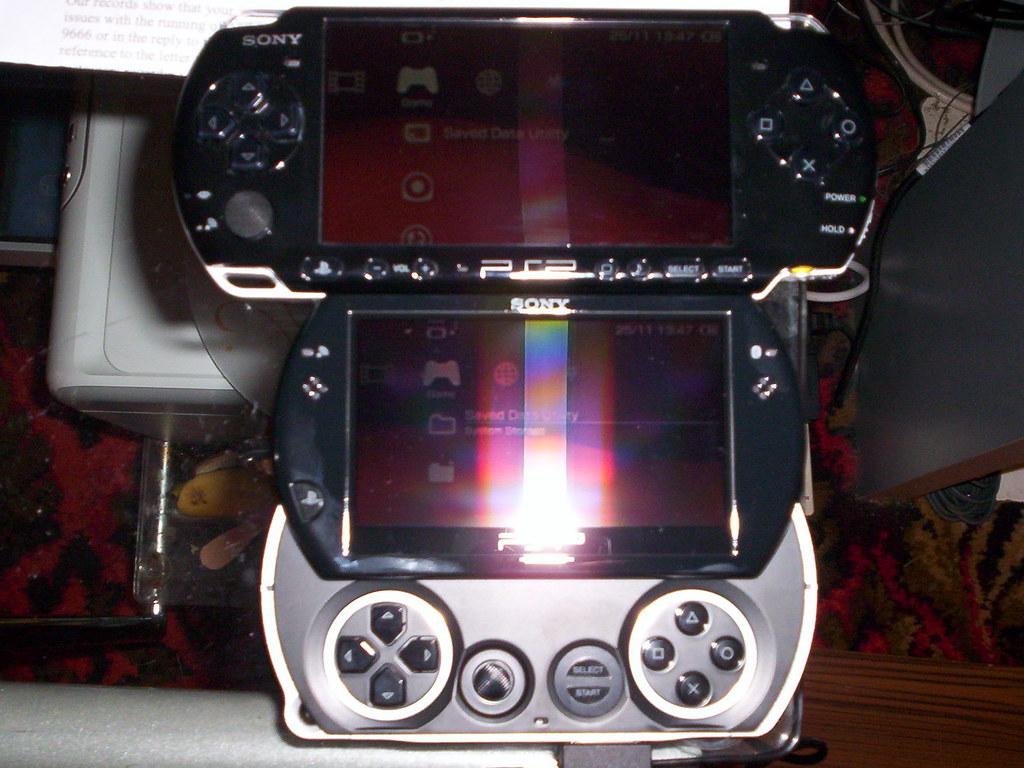 PSP Go vs PSP 3000 1 - a photo on Flickriver