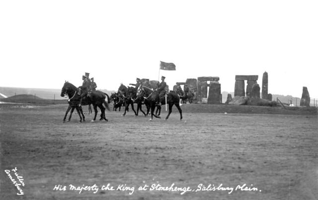 King George V and Lord Kitchener, Stonehenge 1915