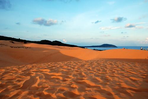 Sabbia rossa e deserto... | by fra.ps