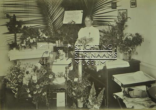 feestelijke gebeurtenis te Bethesda   by Stichting Surinaams Museum