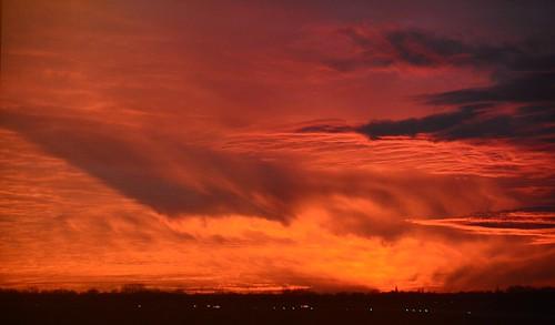germany deutschland bremen airport flughafen bre eddw sunset sonnenuntergang afterglow clouds amazing surreal colors colours dusk neuenland bremerneustadt city ©allrightsreserved