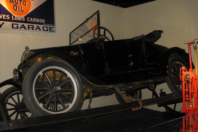 Washington DC - National Museum of American History: America on the Move - Ford Model T Roadster