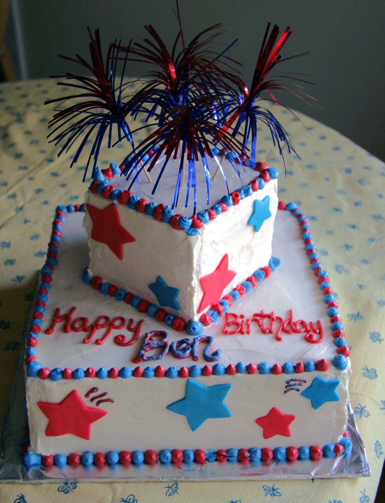 4th of July birthday cake | Bottom is 10