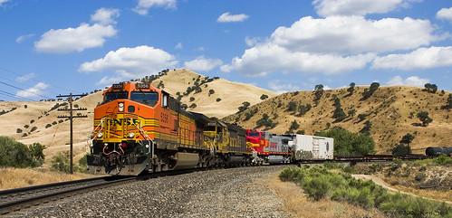 california color canon outdoors socal canondslr tehachapi bnsf locomotives railroads caliente cloudscapes transpotation alltrains movingtrains kenszok