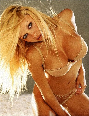 Pamila anderson sexy