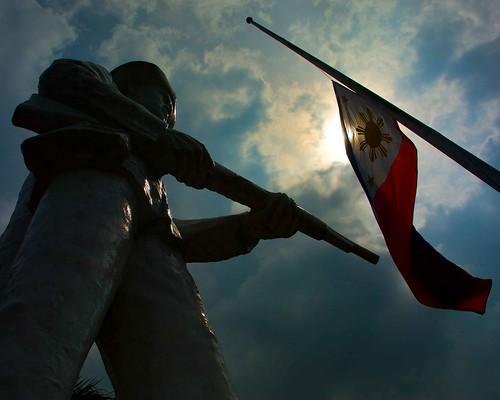 sky sun monument silhouette statue soldier george flag philippines bulacan mateo philippineflag gregorio thehousekeeper baliwag teampilipinas flickristasindios philippinephotographicsociety georgemateo ikawaypinoy