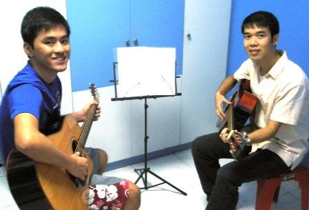 Guitar lessons Singapore Jin Gang