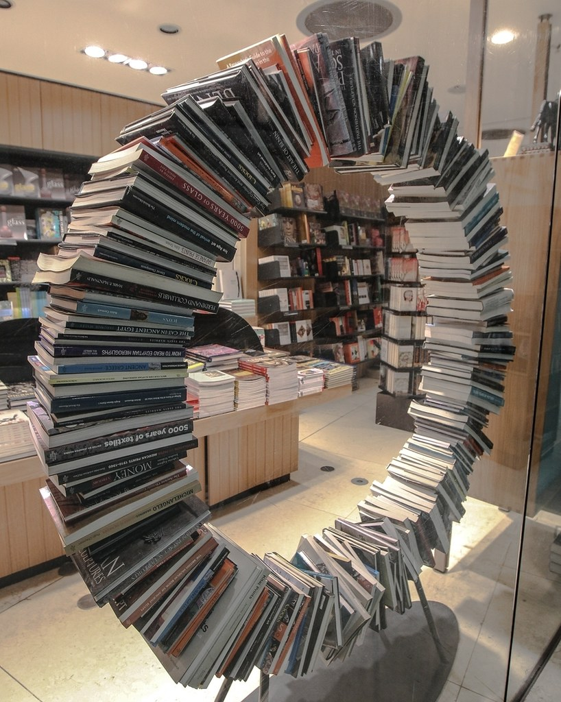 That's #amazing! A wheel of self-supporting books @british