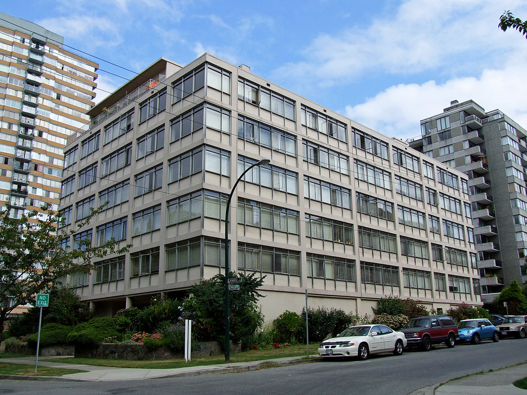 Del-Wood Apartments, Vancouver