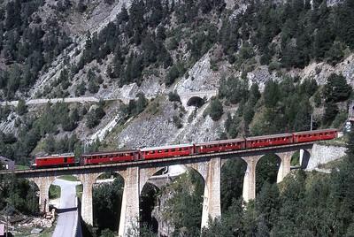 Trains du Matterhorn Gotthard Bahn anciennement Furka Oberalp (Suisse)