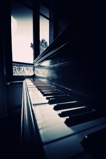 Docteur Jekyll's home sweet home : the piano