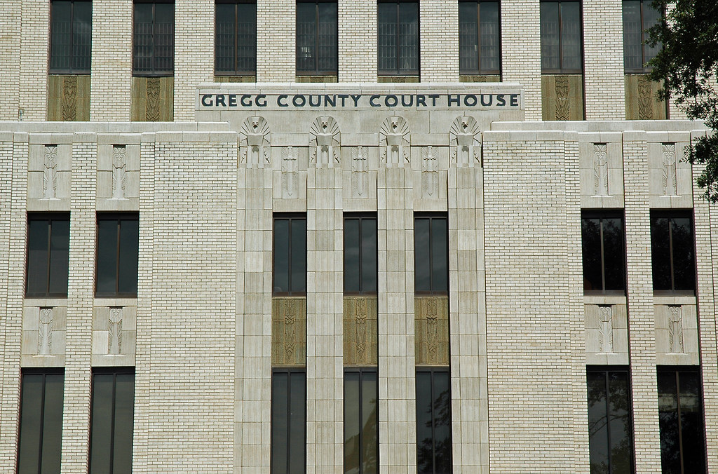 Gregg County Courthouse | The Gregg County Courthouse in Lon