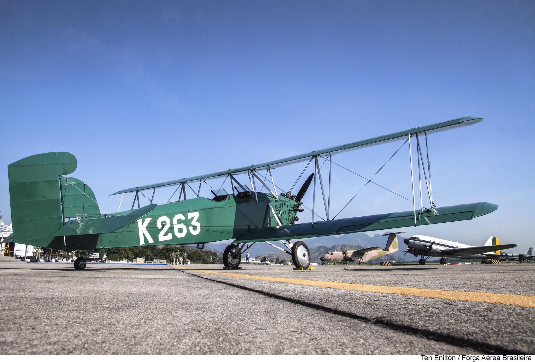 K-263 CURTISS FLEDGLING J-2, fundo C-47 e C-115