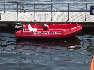 Cardiff Bay - inflatable boat - Whaly - Self-Drive Boat Hire