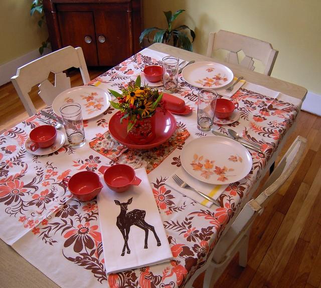 artgoodies fall vintage table