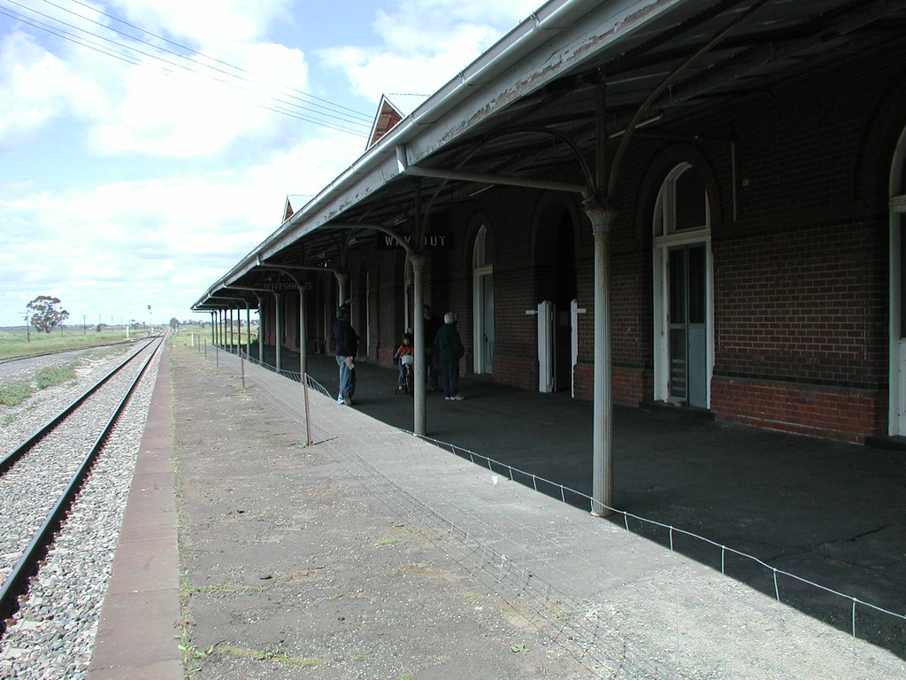 Serviceton Rail station Vic border by spelio
