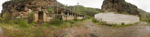 Antiguo Balneario de Azuaje, con el barranco corriendo. Isla de Gran Canaria.