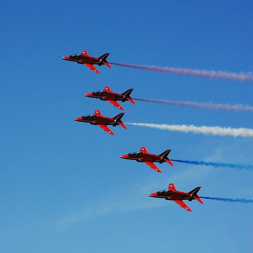 Red Arrows, Airbourne 2009 | by jonnyr1
