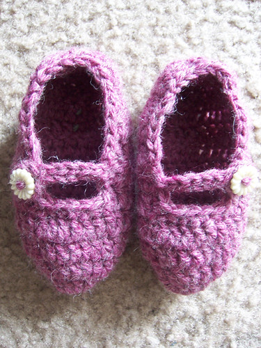 baby rosey slippers | by Lisa | goodknits