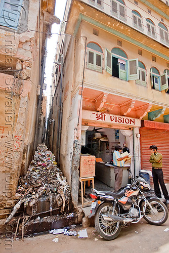 DSC08928 - Trash - Jaipur (India) | by loupiote (Old Skool) pro