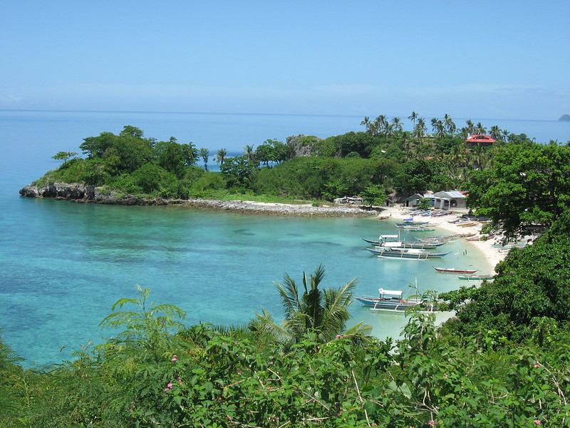 Small beach next to the Guimbitayan village