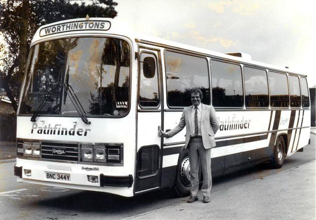 BNC344Y Pathfinder's,Newark Seddon Pennine VII/Willowbrook Coach.