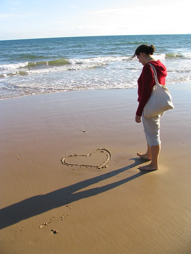 Love on Bournemouth beach | by randomduck