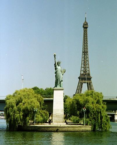 paris-ile-des-cygnes-statue-de-la-liberte-tour-eiffel-seine   by Fabrice Terrasson
