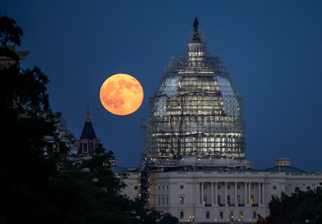 Full Moon (201507310002HQ)