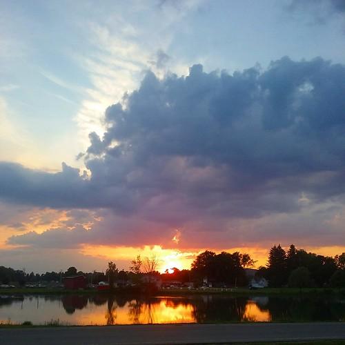 sun sunset sundown water reflection pretty olean oleanny sky