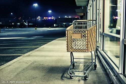 canada night canon eos is parkinglot neon shoppingcart nb newbrunswick sj dslr saintjohn 50d sjphoto lastonestanding nbphoto cans2s bmca