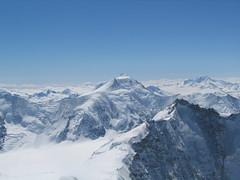 Obrovský kužel Aletschhornu (4.193 m).
