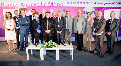 Photo de l'ensemble des Intervenants lors du lancement du PRES de l'Université Nantes Angers Le Mans.