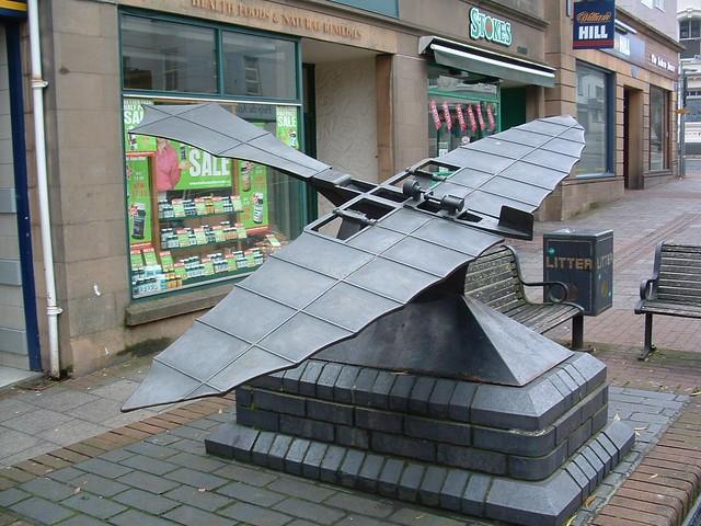 bronze statue of world's first aeroplane in Chard, Somerset සඳහා පින්තුර ප්රතිඵල