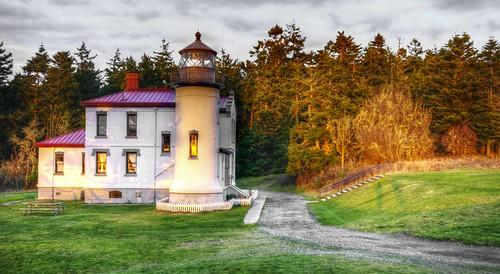 sunset lighthouses washingtonstate admiraltyheadlighthouse fortcaseystatepark